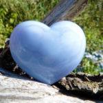 カルセドニー ~優しく穏やかな、上品で質の高い日常生活を与えてくれる石