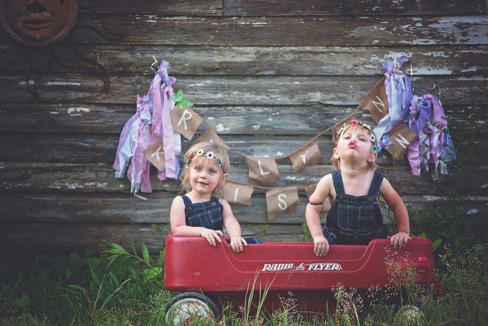 Twins, Girl